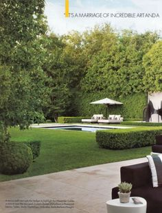 Very private backyard with open grass area and pool (private patio ideas grass) Backyard Privacy, Backyard Patio, Nice Backyard, Formal Garden Design, Patio Design, Exterior Design, Dream Pools, Swimming Pool Designs, Pool Houses