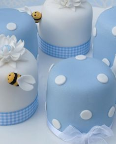 Polka Dot & Bee Mini Cakes