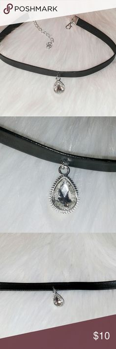 """BOGO free Black Diamond Choker Black choker with oval diamond.  Length: 12.5"""" Adjustable links: 3.5"""" To get free one, please add 2 to a bundle and offer me the $10. Thank you! :) Jewelry"""