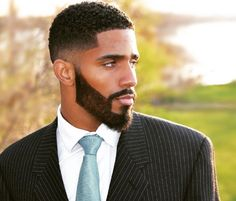 damn and black king things image Black Men Haircuts, Black Men Hairstyles, Cool Haircuts, Black Men Beards, Handsome Black Men, Gorgeous Black Men, Beautiful Men, Hair And Beard Styles, Curly Hair Styles