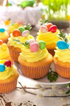 Wielkanocne babeczki z niespodzianką Mini Cupcakes, Catering, Food, Essen, Meal