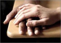 Pin 8: Laat me meeleven. In het boek zijn er zo veel heftige gebeurtenissen, waardoor je wel mee moet leven.