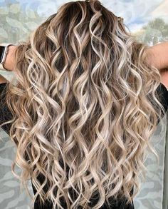 102 delicate summer hair color for brunettes balayage 2019 have a look! page HAİR STYLE, 102 delicate summer hair color for brunettes balayage 2019 have a look! Hot Hair Styles, Curly Hair Styles, Blond Curly Hair, 2c Hair, Curls For Long Hair, Color For Curly Hair, Blonde Curls, Long Curled Hair, Blonde Fall Hair Color