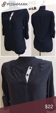 ❤️LIKE NEW❤️ Banana Republic Silk Blouse Top is in like new perfect condition. It has tab sleeves that allow you to wear at a three-quarter length or at a full length. The fabric content is 100% silk. Banana Republic Tops Blouses