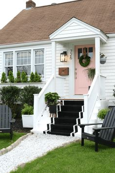 Front Exterior Reveal with new Cedar Impressions Design Interior Small House Exterior Doors, Exterior Paint, Exterior Design, Exterior Stairs, Grey Exterior, Exterior Remodel, Modern Exterior, Casa Patio, Design Apartment