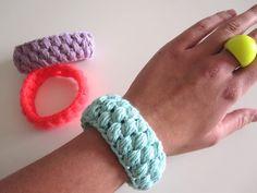 The Funky Fox: Hæklede sommer-armbånd - DIY - #crochet #bracelet #tutorial