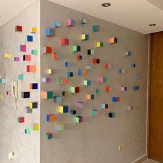 Wooden Wall Art, Diy Wall Art, Wood Wall, Wall Art Decor, Wooden Cubes, Art Moderne, Wood Sculpture, Modern Wall Sculptures, Geometric Patterns