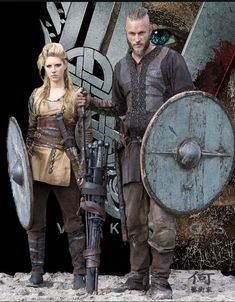 """Katheryn Winnick stars as Lagertha Lothbrok (Shield Maiden) and Travis Fimmel stars as Ragnar Lothbrok in 'The Vikings"""" (History Channel - Costume Lagertha, Vikings Costume Diy, Viking Halloween Costume, Vikings Halloween, Women Halloween, Halloween Night, Female Viking Costume, Halloween Ideas, Halloween Couples"""