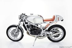Street Fighter Motorcycle: Stunning RZ350 build.