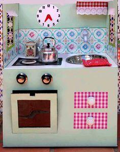 lalibelula: COCINITA DE CARTON HECHA CON UNA CAJA DE IKEA Cardboard Recycling, Cardboard Toys, Cardboard Furniture, Diy And Crafts, Arts And Crafts, Paper Crafts, Art Projects For Adults, Diy Projects, Cardboard Kitchen