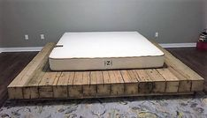 Bed Frames Queen Size With Headboard And Footboard Pallet Bed Frames, Wooden Bed Frames, Diy Bed Frame, Wood Pallet Furniture, Diy Furniture Plans, Furniture Design, Bed Frame Design, Bed Design, Minimalist Bed