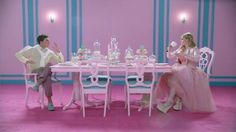 """i NEED this pink table from the """"All About that Bass"""" video by Meghan Trainor. #justsayin"""