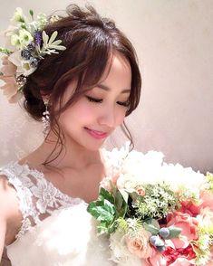 画像に含まれている可能性があるもの:1人、結婚式、花 Crown, Bride, Cute, Asian, Beautiful, Beauty, Beleza, Corona, Bridal