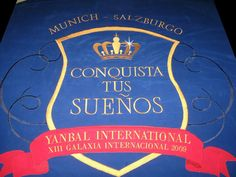 Banderola confeccionada con bordado computarizado, para la marca UNIQUE para su evento internacional anual, realizado en el país de Alemania.