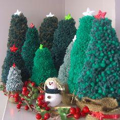 Pompom Christmas Tree Tutorial