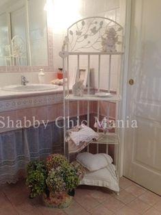 Shabby Chic Mania By Grazia Maiolino Shabby Chic, Vanity, Furniture, Home Decor, Chic, Vanity Area, Homemade Home Decor, Lowboy, Dressing Tables