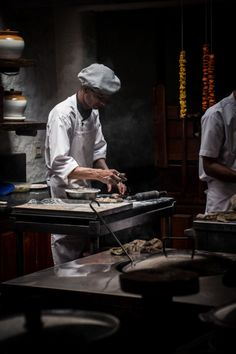 workshop in coorg photos and a indian inspired hummingbird cake - twigg studios Dark Photography, Food Photography, Chef Dress, Chef Pictures, Chef Quotes, Hummingbird Cake, Environmental Portraits, Working People, Le Chef