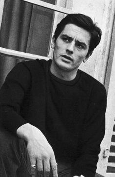 Alain Delon Vintage Hollywood, Classic Hollywood, Beautiful Boys, Beautiful People, Violet Eyes, Handsome Actors, Handsome Man, Elegant Man, Romy Schneider