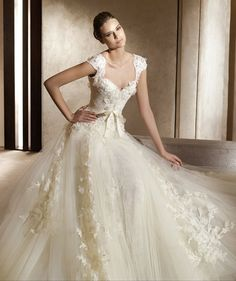 Gorgeous wedding gown! Perfect for the beginning of your fairy tale. :)
