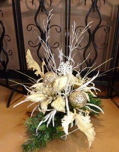 A continuación te traemos el paso a paso de como crear hermosos centros de mesas navideños para que logres decorar de tu hogar bien bonito y con muy poco dinero! No necesitas de mucho tiempo ni de mucho trabajo, todo es fácil y rápido de crear, así...
