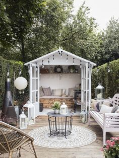 Summer House Painted In Cuprinol French Grey - Theresa's Four Bed Edwardian Garden With Boho Inspired Summer House. Image By Adam Crohill. Summer House Paint, Small Summer House, Summer House Garden, Dream Garden, Home And Garden, Summer House Decor, Summer Houses, Garden Living, Outdoor Rooms