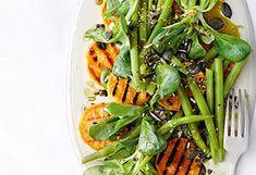 Gegrillte Süßkartoffeln mit Fisolen-Vogerlsalat Seaweed Salad, Japchae, Green Beans, Bbq, Vegan, Vegetables, Cooking, Ethnic Recipes, Food