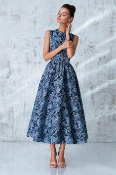 Платье «Лаура», миди голубое, Цена— 34990 рублей