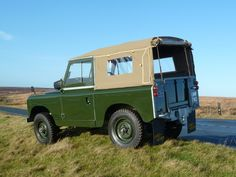 UMW 740 - 1959 Series II Land Rover 88 Series  soft top canvas - Totally Rebuilt