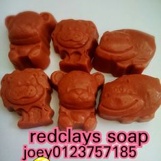 French red clay comes from Hematite Iron, its coloring the result of the copper oxides contained in this rock. Rich in kaolinite, illite, montmorillonitea and calcite, French red clay is best suited for normal to oily skin types. Appearance: Fine red colored powder. Benefits: French Red Clay cleanses, detoxifies and exfoliates the skin, leaving it refreshed, toned and rejuvenated. It is most widely used in cosmetic manufacturing. Price rm17 for 3pcs rm7 west east rm10 wechatjoey2383…