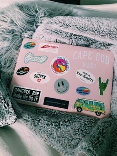 Get The Best Bang For Your Buck With These Laptop Tips. Macbook Air Stickers, Cute Laptop Stickers, Mac Stickers, Rap, Macbook Pro 13 Case, Apple Laptop, Computer Case, Laptop Cases, Aesthetic Stickers