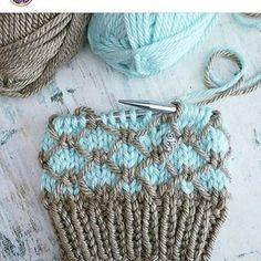 Regan Beanie Knitting Pattern By Phanessa & regan beanie strickmuster von phanessa & modèle de tricot regan beanie par phanessa Diy Crafts Knitting, Easy Knitting Patterns, Knitting Stitches, Yarn Crafts, Knitting Projects, Baby Knitting, Crochet Patterns, Knitting Needles, Knitting Wool