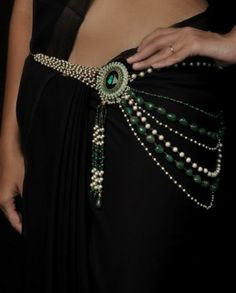 Love this saree belt
