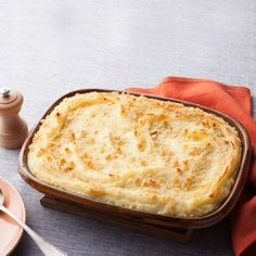 Πουρές πατάτας στο φούρνο με τυριά: Μια συνταγή σκέτη… κόλαση!
