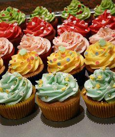 Cupcakes for La Halle by Sugar Daze, via Flickr