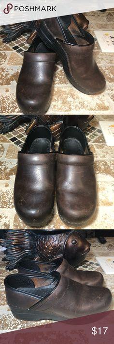 Dansko ‼️sale‼️ size 37 Comfy Dansko shoes. Use condition Dansko Shoes Mules & Clogs
