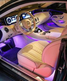 Lamborghini Urus is included in the list of luxury cars in the world. This is one of the luxury cars in Europe. Audi A Land Rover Range Rover, etc. Mercedes Auto, Audi A8, Fancy Cars, Cool Cars, Carros Bmw, Top Luxury Cars, Luxury Cars Interior, Tesla Interior, Lamborghini Interior