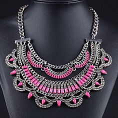 Pink Statement Necklace Beautiful and cute! Jewelry Necklaces