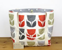 Lined tote bag with pockets  red and grey tulip canvas