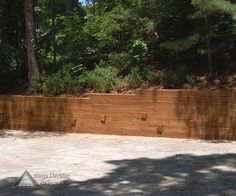 Contemporary retaining wall designed and built by Atlanta Decking. http://atlantadecking.com/portfolio/retaining-walls/gallery/other-outdoor-ideas/