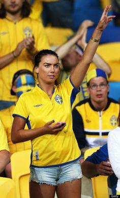 PHOTOS. Les jolies supportrices dans les tribunes de l'Euro 2012