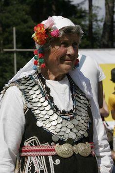 Women's Costume from Elinpelinsko, Bulgaria