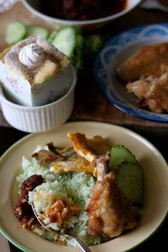 Jane's Corner: 香兰椰浆饭&香兰北海道戚风(Pandan Nasi Lemak & Pandan Hokkaido Chiffon Cake). Good Lord I wish I lived in Asia where pandan leaves/juice is available.........