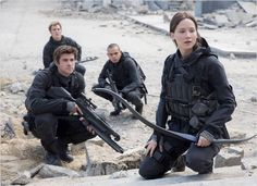 Hunger Games – La Révolte : Partie 2 : Photo Jennifer Lawrence, Liam Hemsworth, Sam Claflin