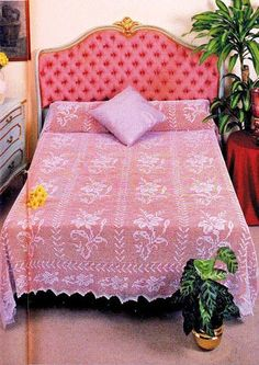 Grande achado na net Filet Crochet, Crochet Stitches, Crochet Patterns, Crochet Bedspread, Crochet Afghans, Afghan Blanket, Vintage Roses, Beautiful Roses, Soft Furnishings