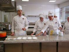 Jonathan Lauriola é um chef italiano que se especializou na gastronomia francesa conduzido pelo Mestre Alain Ducasse.