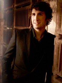 Laugh all u want but I have a weakness for classically trained guys. I love Josh Groban!