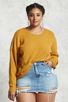 Buying plus size clothes are not easy. The biggest problem with buying clothes for women with the plus-size is either n… Chubby Fashion, Curvy Women Fashion, Thick Girl Fashion, Womens Fashion, Look Plus Size, Plus Size Jeans, Plus Size Sweaters, Plus Size Casual, Curvy Girl Outfits
