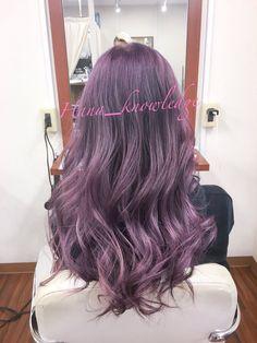 """Hana@秋葉原の美容室のカラーリスト on Twitter: """"パープルパープルパープル この紫、好きなんだよなぁ。 #秋葉原 #秋葉原美容室 #fuwat #Hana #派手髪師 #カラーリスト #華のある髪色 = #派手髪 #紫 #パープル #バイオレット #カラーさせてください可愛くします https://t.co/IwHb49MsBg"""""""