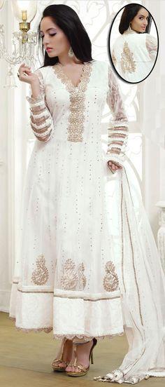 #white #shadi #shawar #kameez #desi #indian #Pakistani #wedding #pretty #cloths #fashion #sparkly
