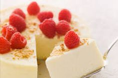 Who knew you could cook a cheesecake in the slow cooker? This oh-so-simple slow-cooked cheesecake has a silky smooth texture and lots of flavour. Cooker Cheesecake, Cheesecake Factory Recipes, Chocolate Cheesecake Recipes, Graham, Crock Pot Desserts, Crock Pots, Kraft Recipes, Kraft Foods, Raspberry Recipes
